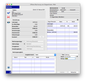 Das Rechnungsdatum befindet sich über dem Feld 'Debitor'.